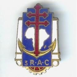 3° RAC, léger éclat,...