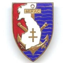 4° RAC, croix à plat, dos...